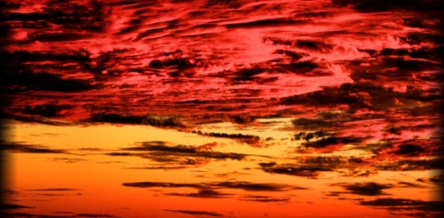 red_sky_at_night